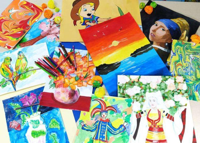 Детска изложба в арткафе